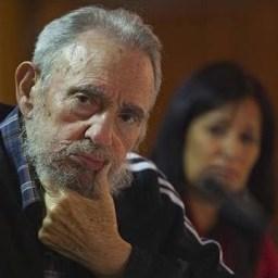 Fidel Castro homenageia Vilma Espín, heroina da Revolução