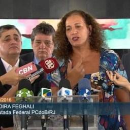 Em coletiva, deputados pró-democracia cometam resultado da votação do golpe