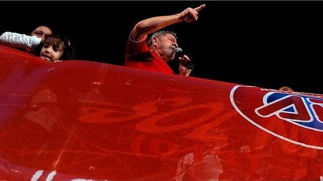 Lula: Eles querem derrubar o governo pela forma mais espúria