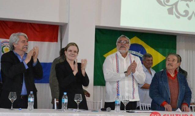 Gleisi se encontra com Fernando Lugo para comemorar 7 anos de acordo bilateral