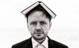 """""""Staunen und die Neugier sind bei mir weitaus stärker als Ängste"""" – Michael Schweßinger im Interview zu """"In Buxtehude ist noch Platz"""""""