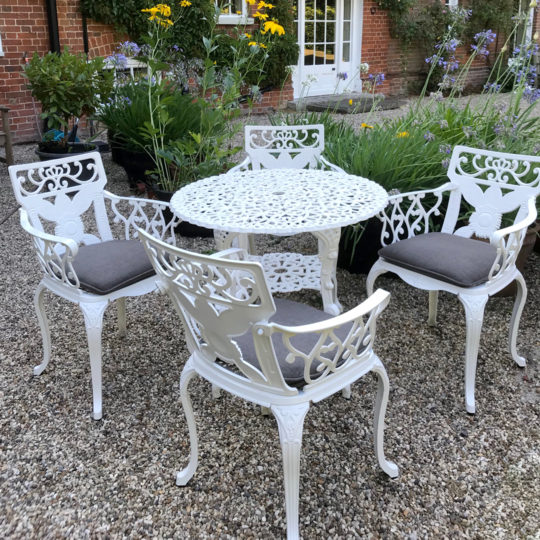 80cm Round Table  4 Sunflower Chairs White  Pads