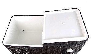 UPHA 80 Quart Rolling Patio Cooler Interior