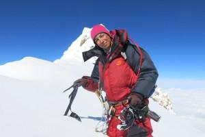 Climbing Mt Damāvand