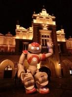 NAO robot in Krakow. Le robot NAO à Cracovie.