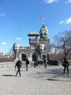 Belvedere Castle in Central Park, New York, and... Le château du Belvédère à Central Park, New York, et...