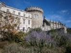 Dublin Castle, under a very fine weather. Le château de Dublin par beau temps.