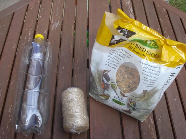 e 'N' Do, make a bird feeder, Make your own bird feeder