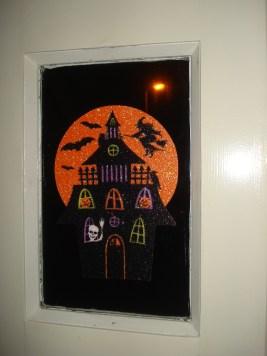 Decoriate the front door