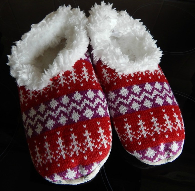 Snoozies Hot Mocs