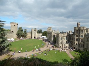 Monkey returns to Warwick Castle