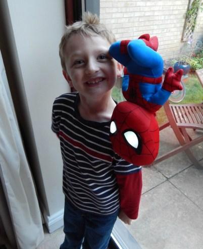 Ultimate Spiderman Go Glow Pal