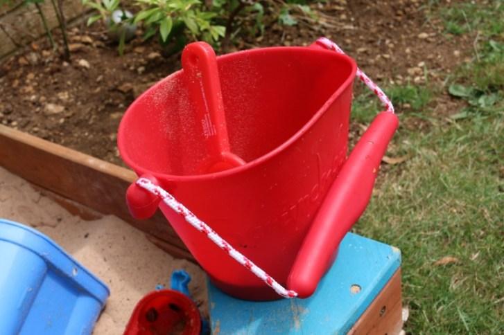 Scrunch Net and Bucket