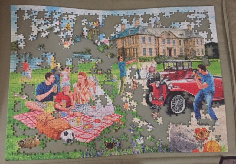 The Stately Home 1000 piece puzzle from Ravensburger