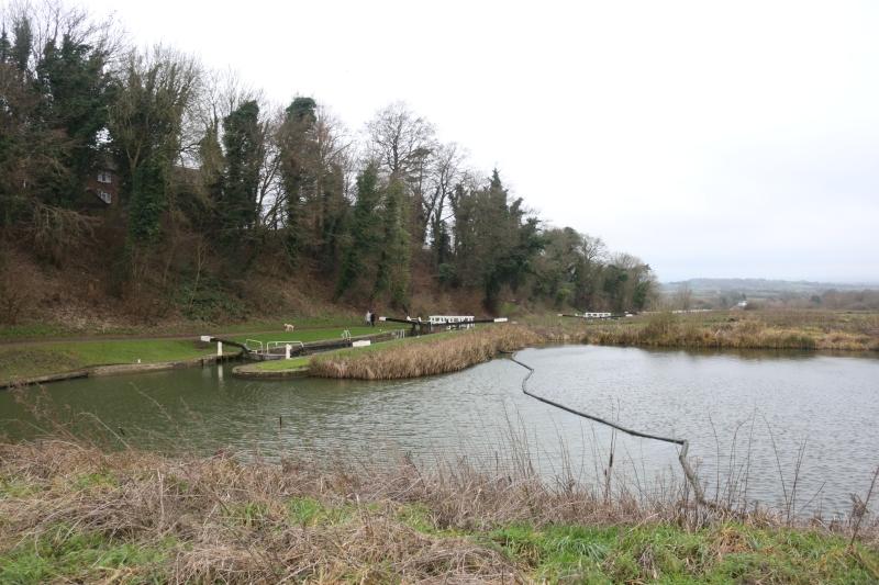 Exploring Caen Hill Lock Flight