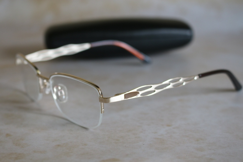 Buying Varifocal glasses with Online Opticians UK