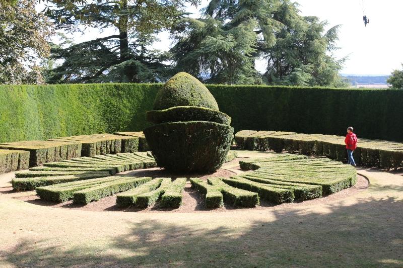 topiary sundail