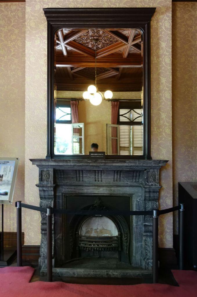 旧岩崎庭園 洋館1階 書斎暖炉