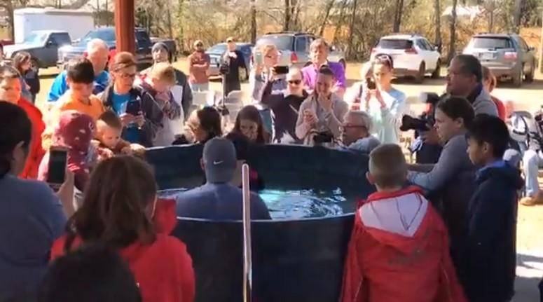 Batismo na Primeira Igreja Pentecostal de Colombo