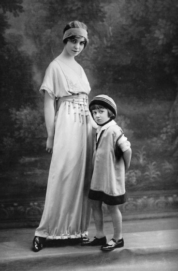 Mother-daughter dressing at Lanvin, circa 1900