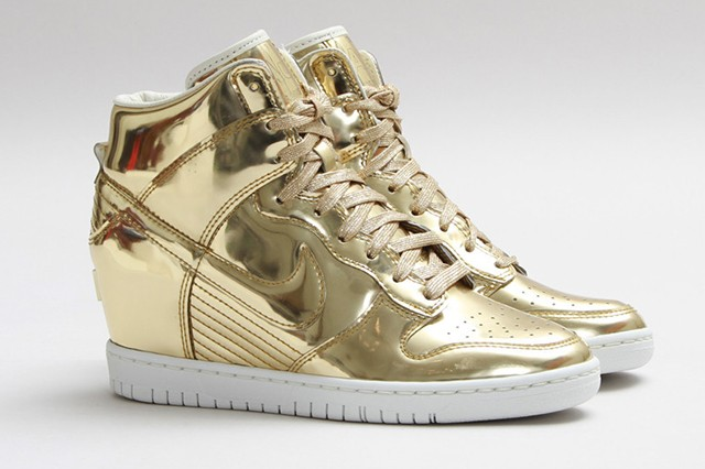 "Nike Dunk Sky Hi SP ""Liquid Gold"""