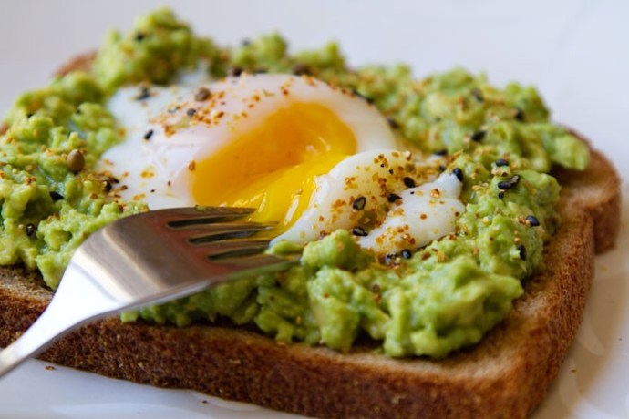 Onsen-Egg-Avocado-Toast