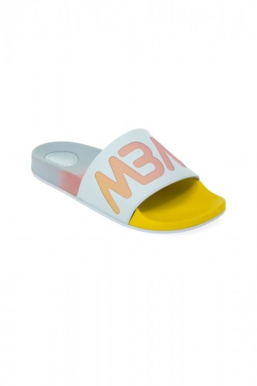 M9000216_720_MAIN