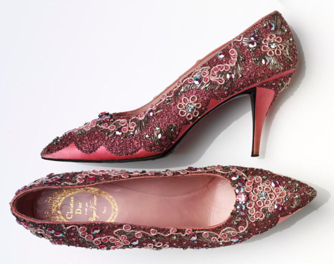 Roger-Vivier-Evening-shoe-beaded-silk-and-leather-France-1958-60--Victoria-and-Albert-Museum-London.nocrop.w670.h529