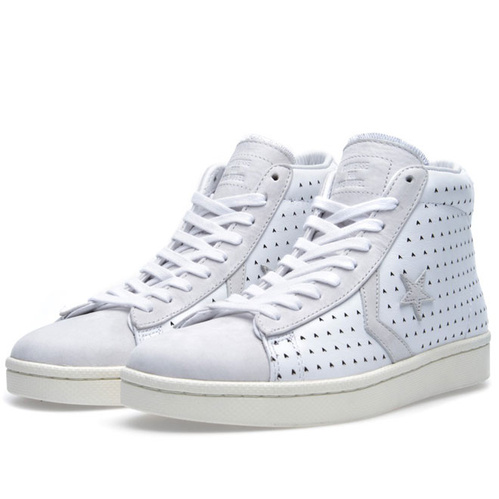 converse_collabs_sneakers_anniversaire_missoni_comme_des_gar__ons_chuck_taylor_all_star_26_9347.jpeg_north_499x_white