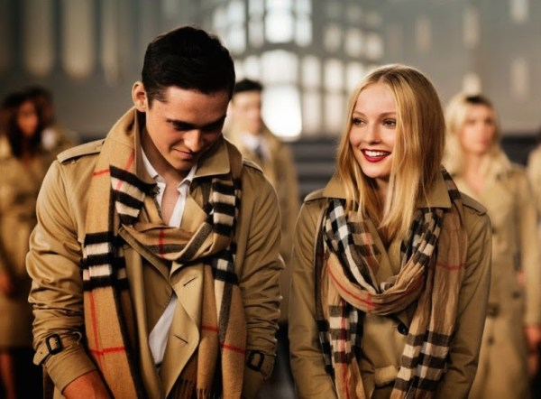 Burberry-Holiday-2014-Behind-the-Scenes-012-800x598