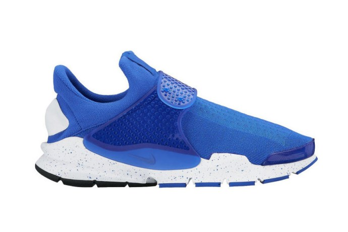 nike-sock-dart-black-blue-22222
