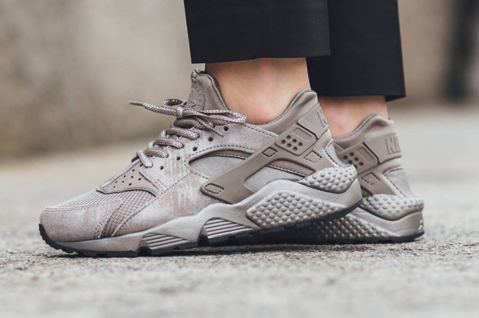 nike-wmns-air-huarache-iron-1