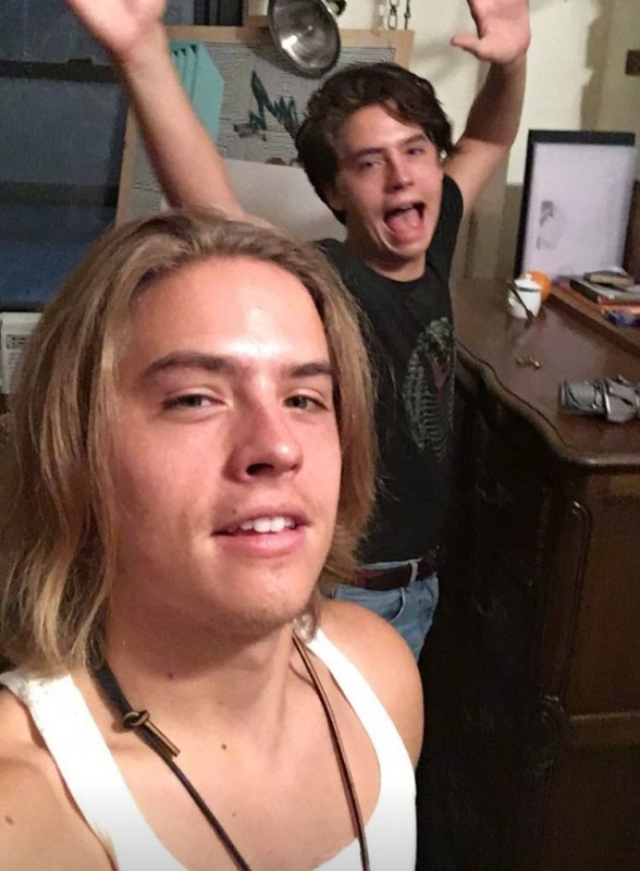 dylan-sprouse-lob