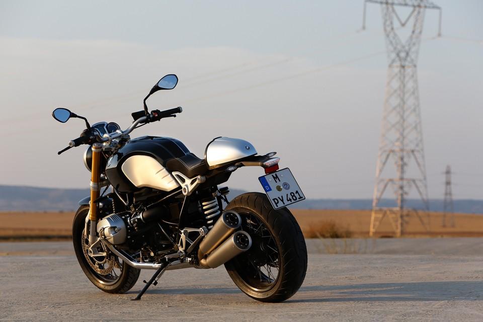 BMW-R-nineT-90th-Anniversary-Motorcycle-02