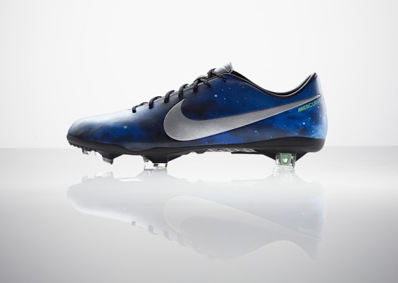 nike-unveils-the-cristiano-ronaldo-cr7-boot-and-collection-2-570x406