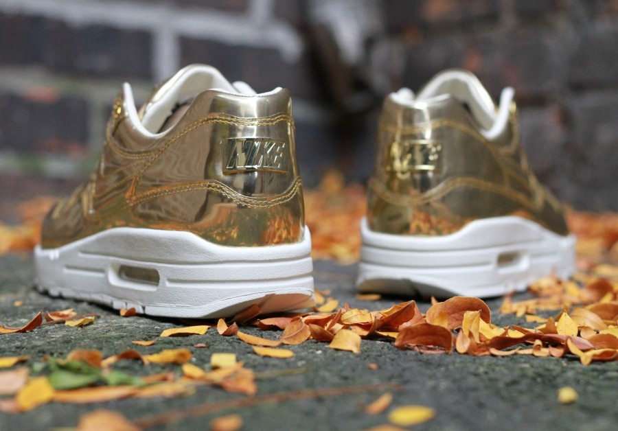 nike-wmns-air-max-1-liquid-gold-2