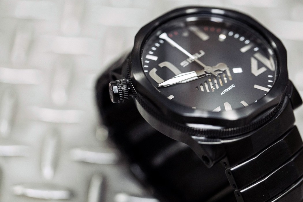 sisu-bravado-a5-stealth-swiss-automatic-limited-edition-watch-2