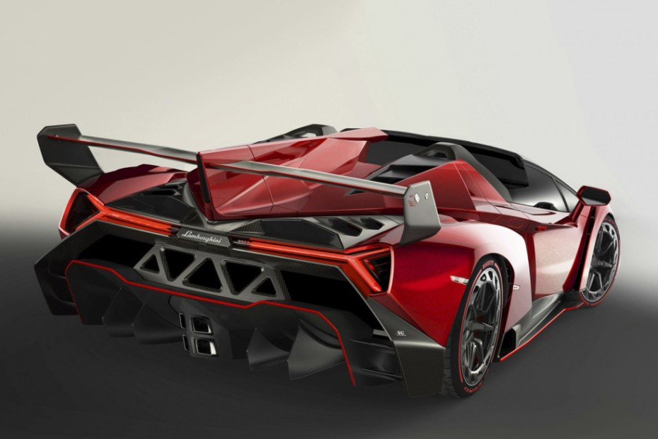 the-first-look-at-the-lamborghini-veneno-roadster-3