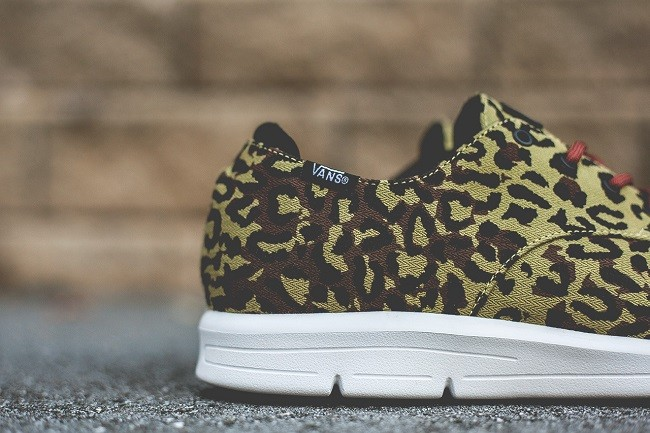 vans-otw-2013-holiday-prelow-leopard-camo-5