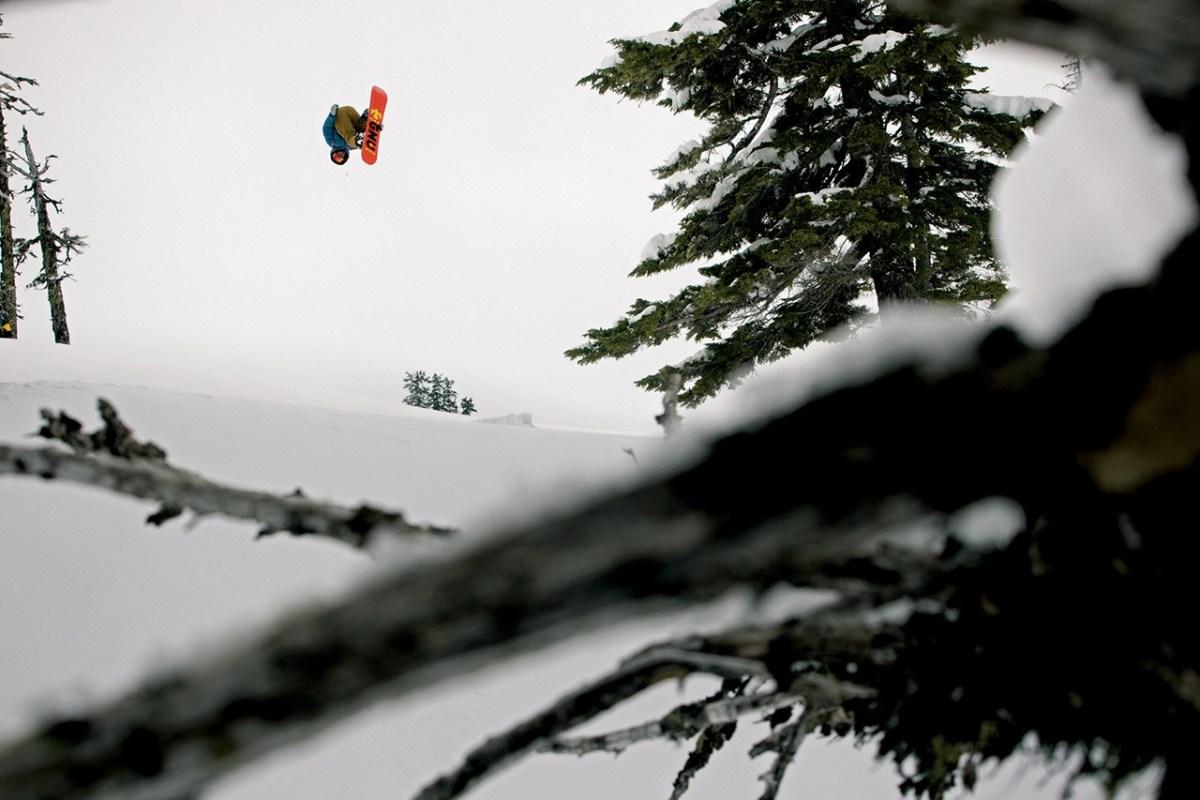 686-snowboarding-2013-fall-winter-lookbook-09