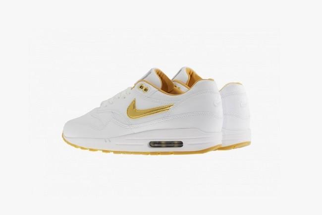 Nike-Air-Max-1-FB-Woven-White-Metallic-Gold-04