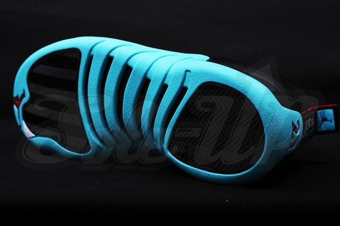 air-jordan-12-gamma-blue-4