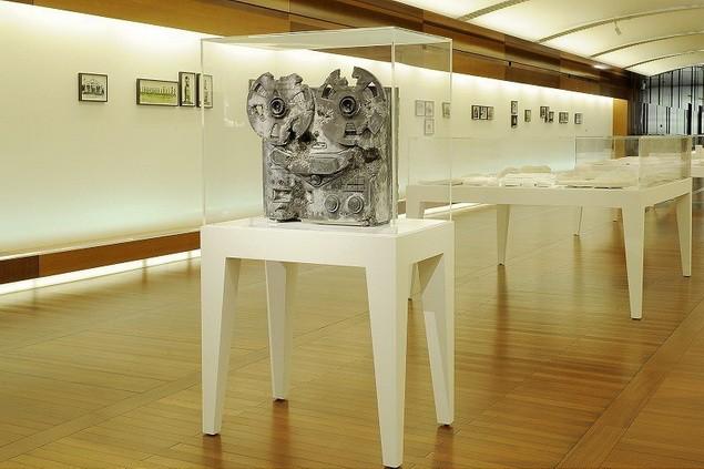 daniel-arsham-yesterdaysfutures-exhibition-espace-louis-vuitton-1_