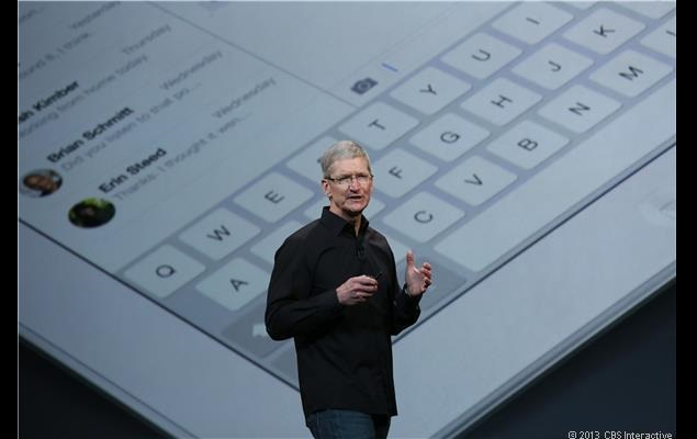 Tim_Cook_iPad_better