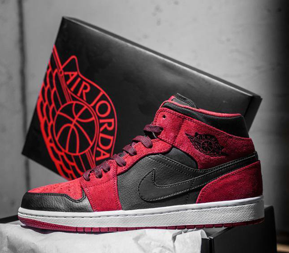 air-jordan-1-mid-red-suede-1