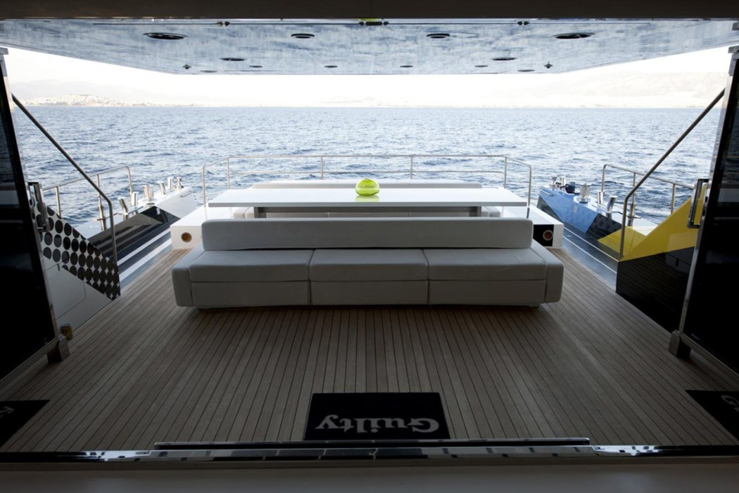 dakis-joannous-guilty-yacht-by-jeff-koons-and-ivana-porfiri-9