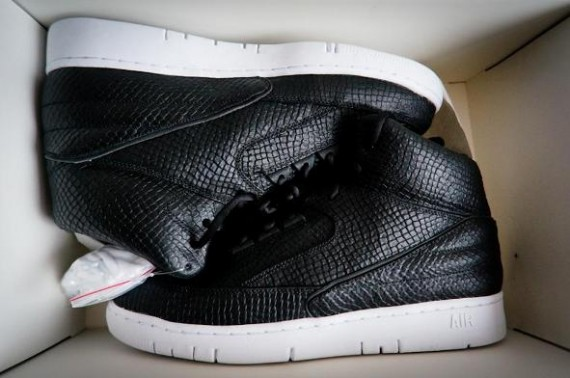 dover-st-market-nike-air-python-1