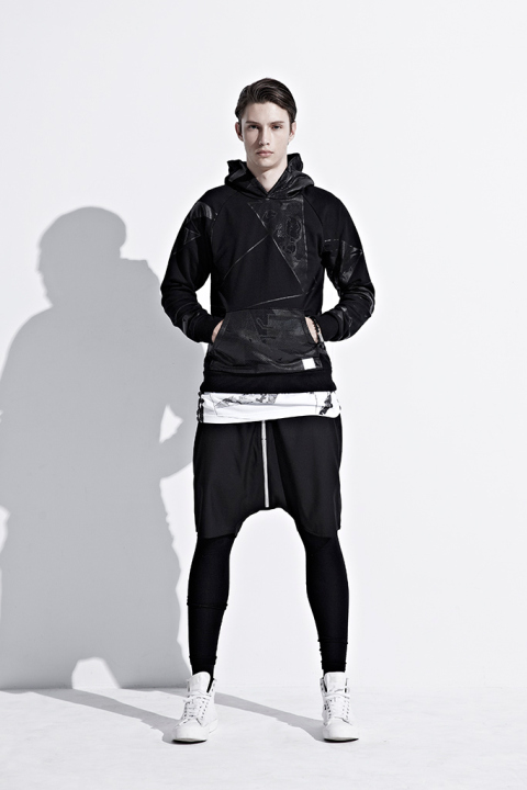ionism-2013-fallwinter-astray-from-present-lookbook-7