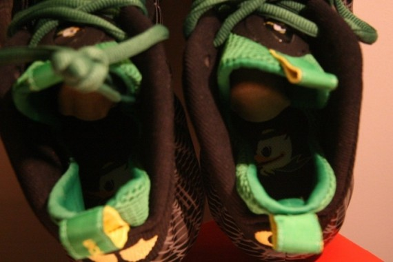 nike air foamposites-oregon-7