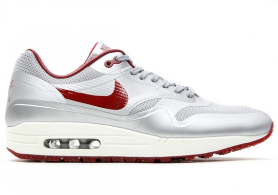 nike-air-max-1-hyp-qs-night-track-1